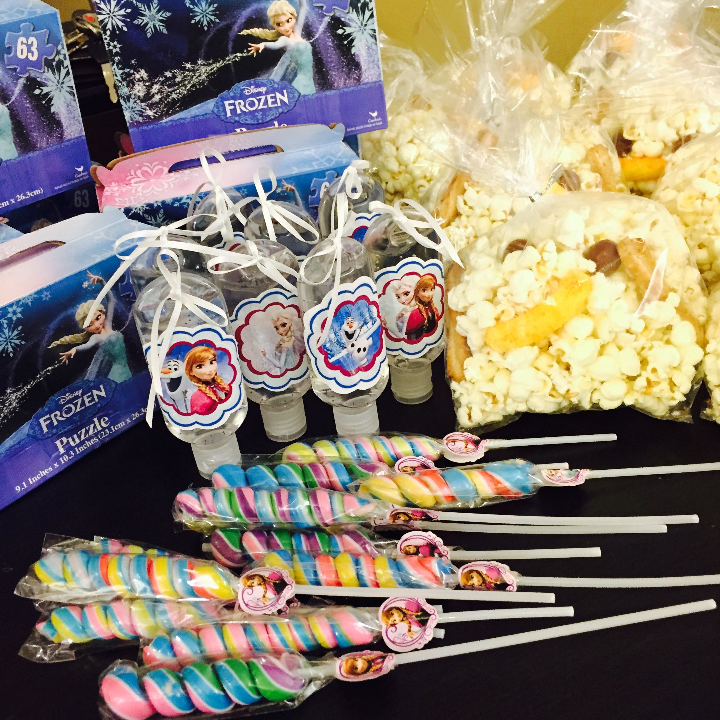 Disney Frozen Themed Birthday Party Favors