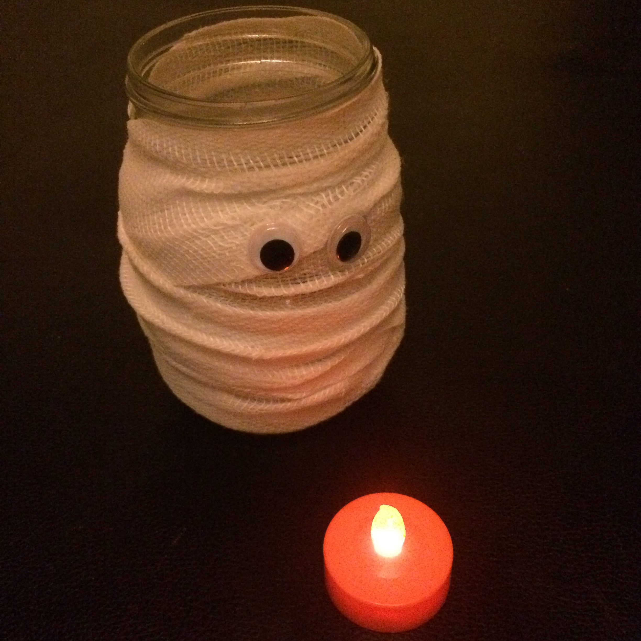 halloween-mummy-mason-jar-candle